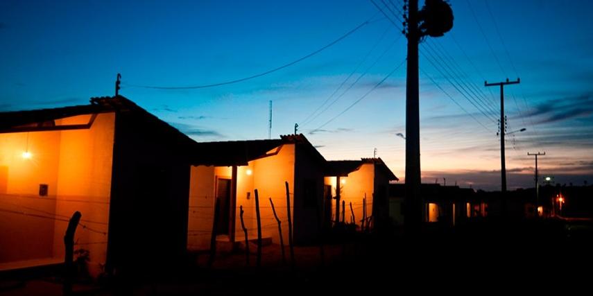 Tarifa Social de Energia: famílias de baixa renda terão desconto automático